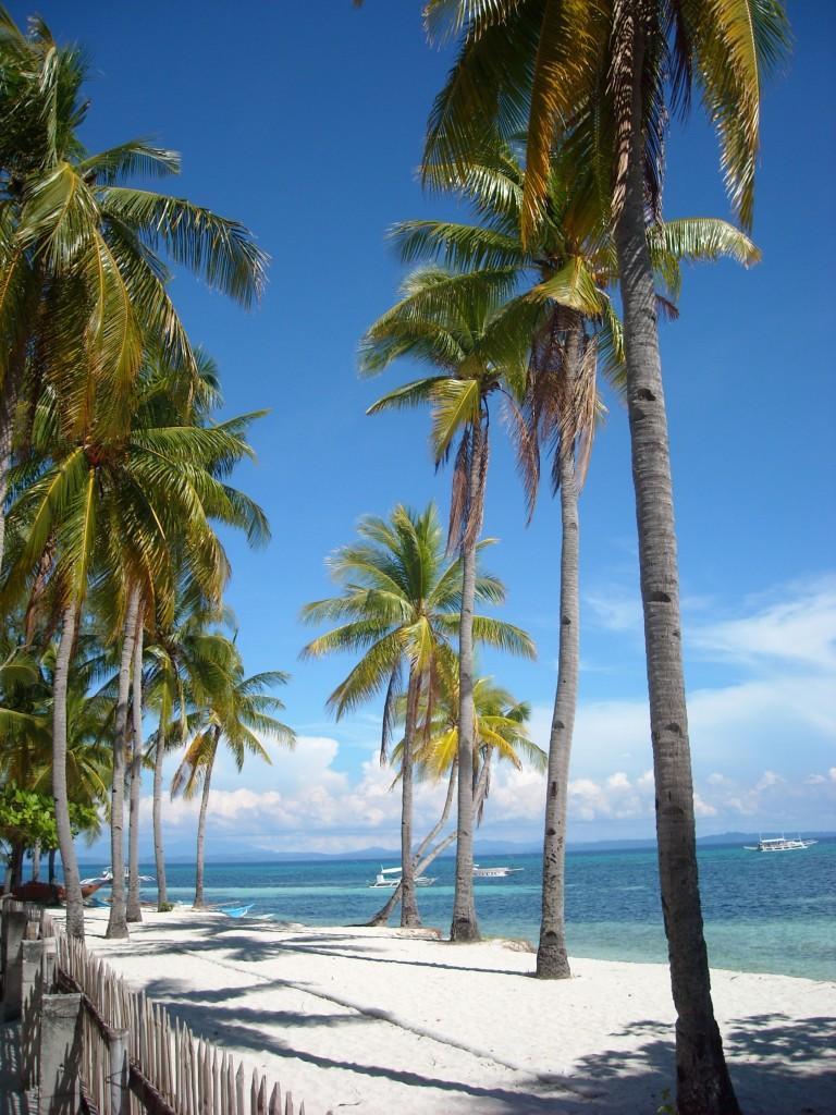 Stranden på Malapascua i Filippinerna