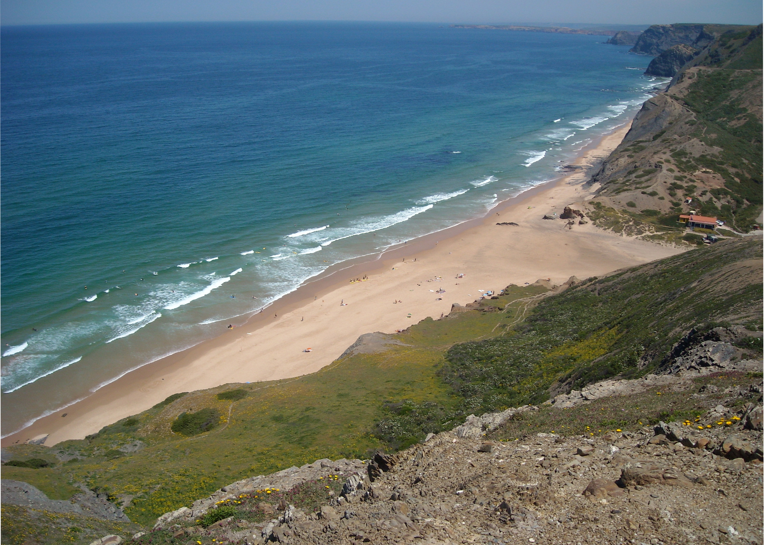 Praia do castelejo på Algarvekusten i Portugal