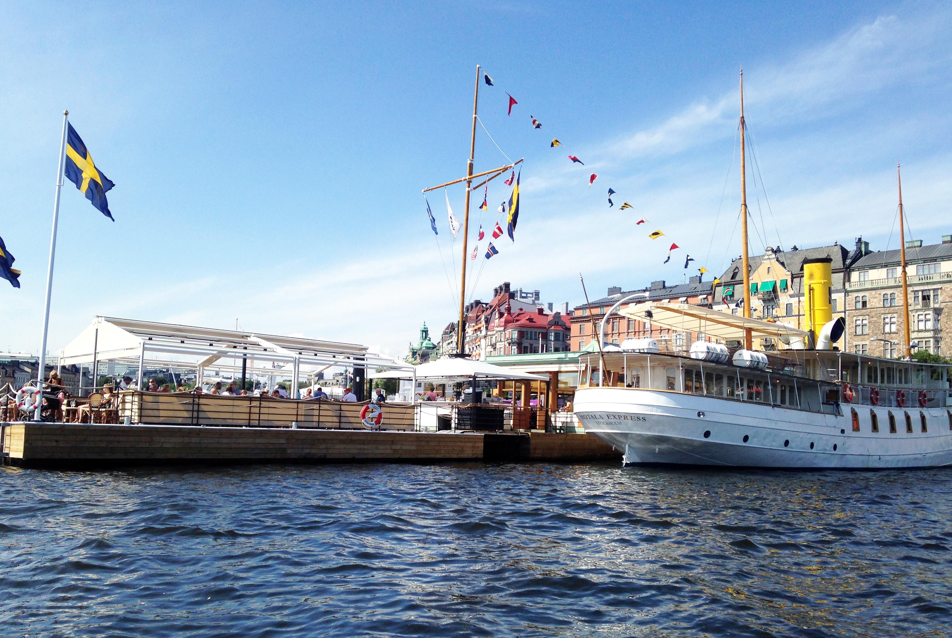 """På en """"hop-on hop-off""""-båt i Stockholms farvatten"""