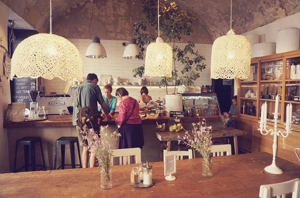 goamama coffee indoor