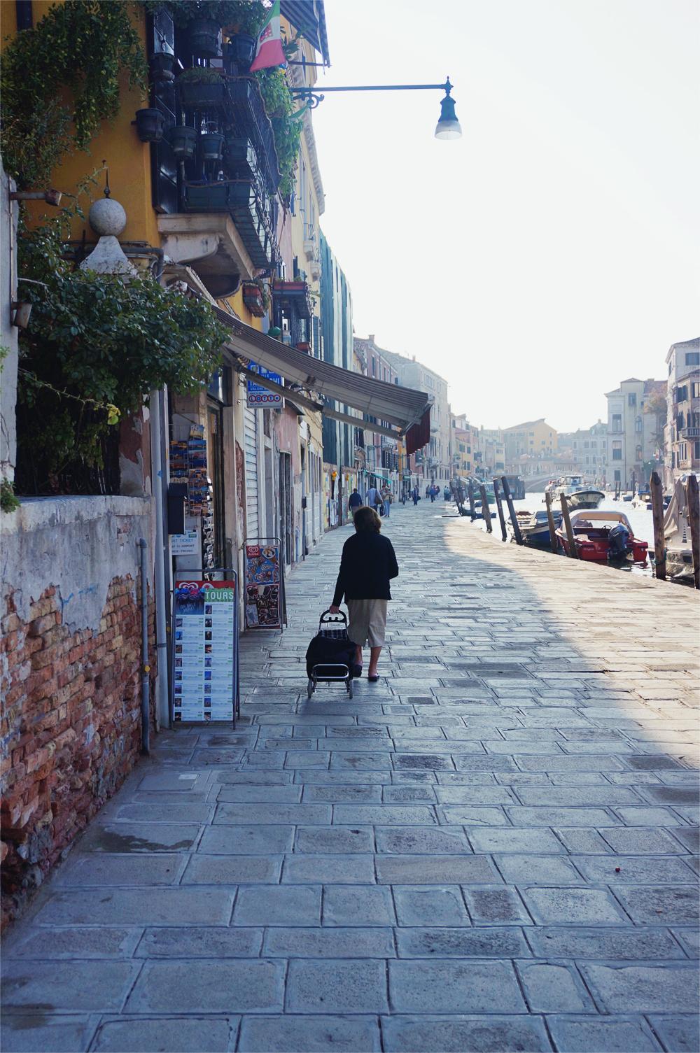 Venedig old woman