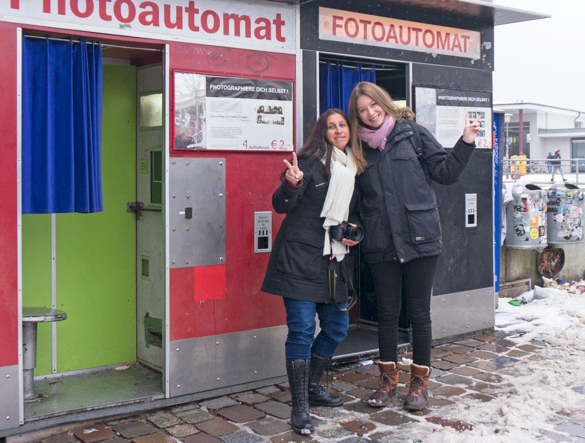 Daniela från Discovering the planet och jag i Hamburg.