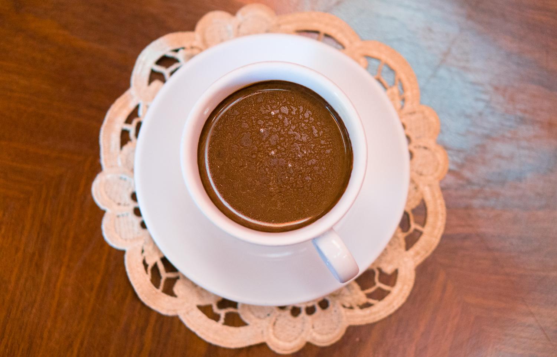 Varm choklad på Wedel Cafe i Warszawa