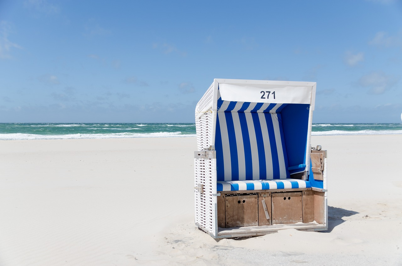 beach-chair-1587066_1280