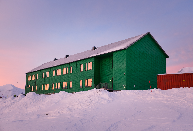 Vandrarhemmet i Sveagruva på Svalbard