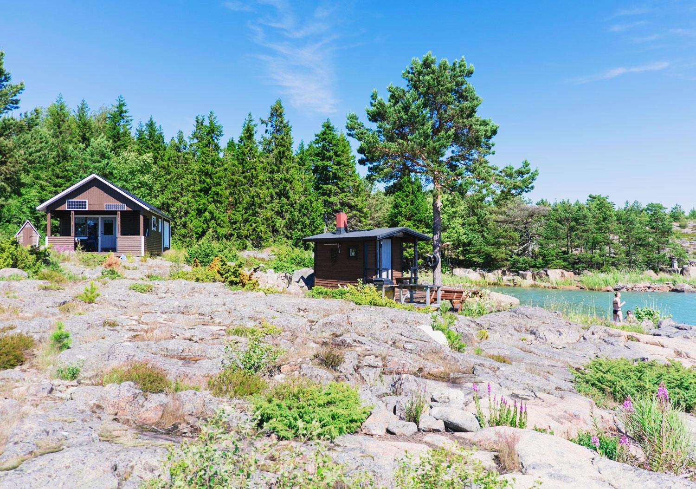 I en eremitstuga på en egen ö i Ålands skärgård