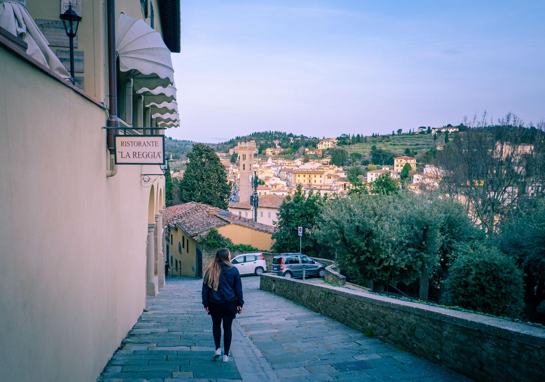Vägen upp till La Reggia degli Etruschi