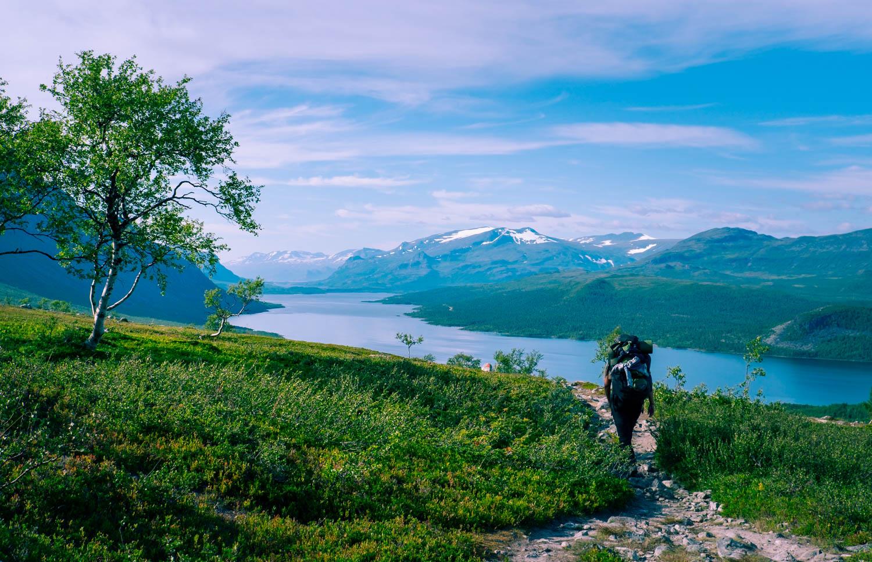 Saltoluokta och utsikt mot Stora Sjöfallets nationalpark