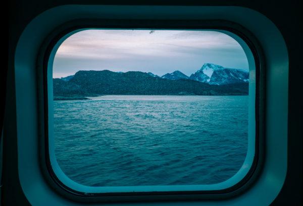 Från Grönland till Kanada, i storm över Labradorhavet