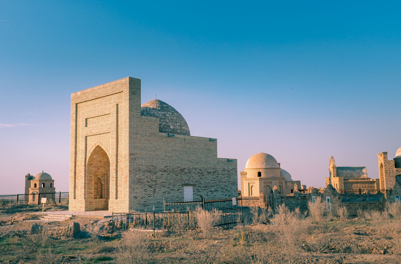 begravningsplatsen Mizdakhan i Nukus Uzbekistan