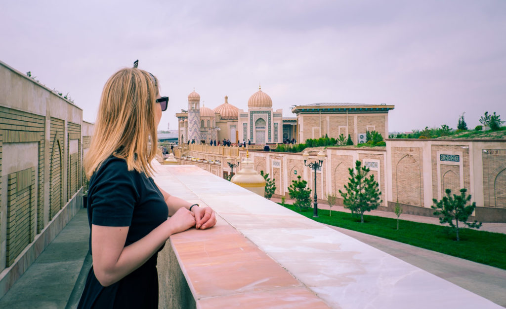 Utsikt över moskén Hazrat khizr i Samarkand i Uzbekistan