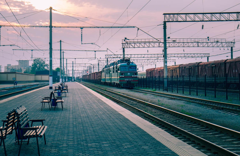 Att åka tåg längs med Sidenvägen i Uzbekistan.