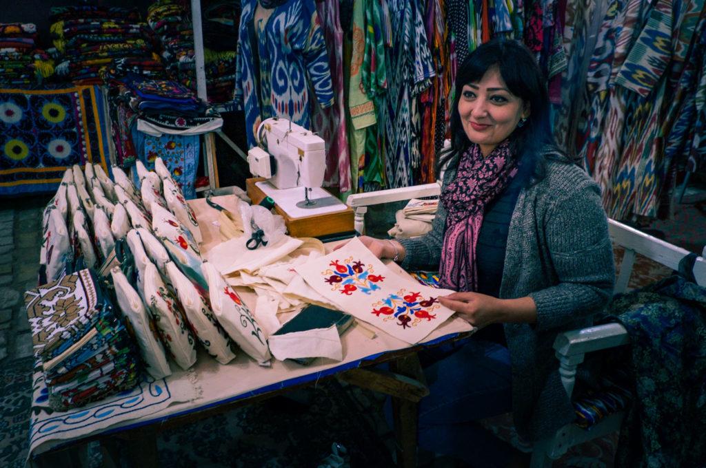Hantverk i Buchara i Uzbekistan